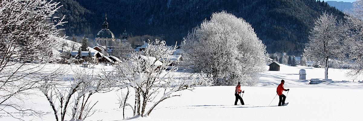 Schneeschuhwandern beim Kloster Ettal